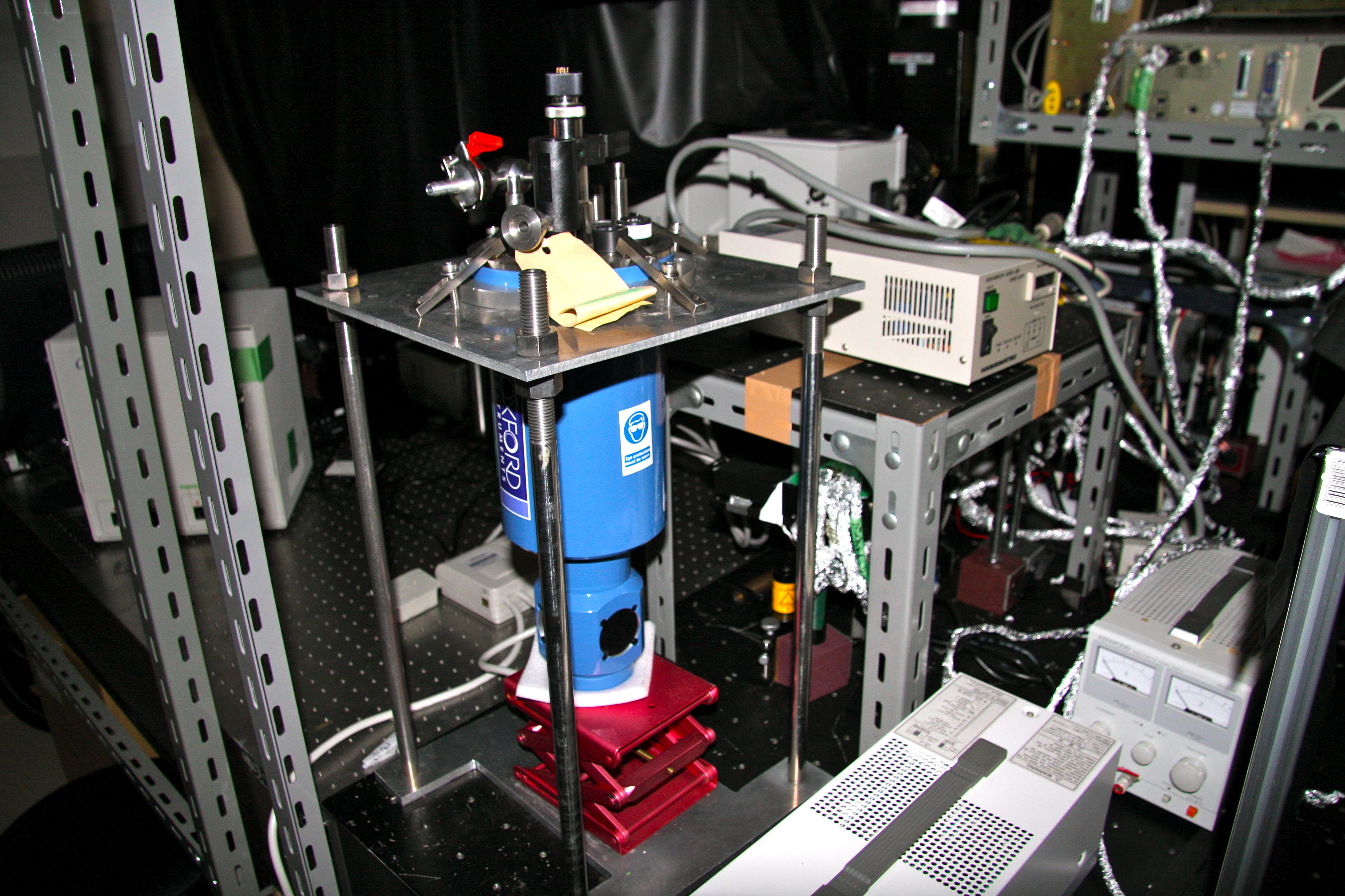 Stark(電場変調)分光計測装置
