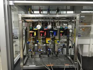 溶媒精製装置