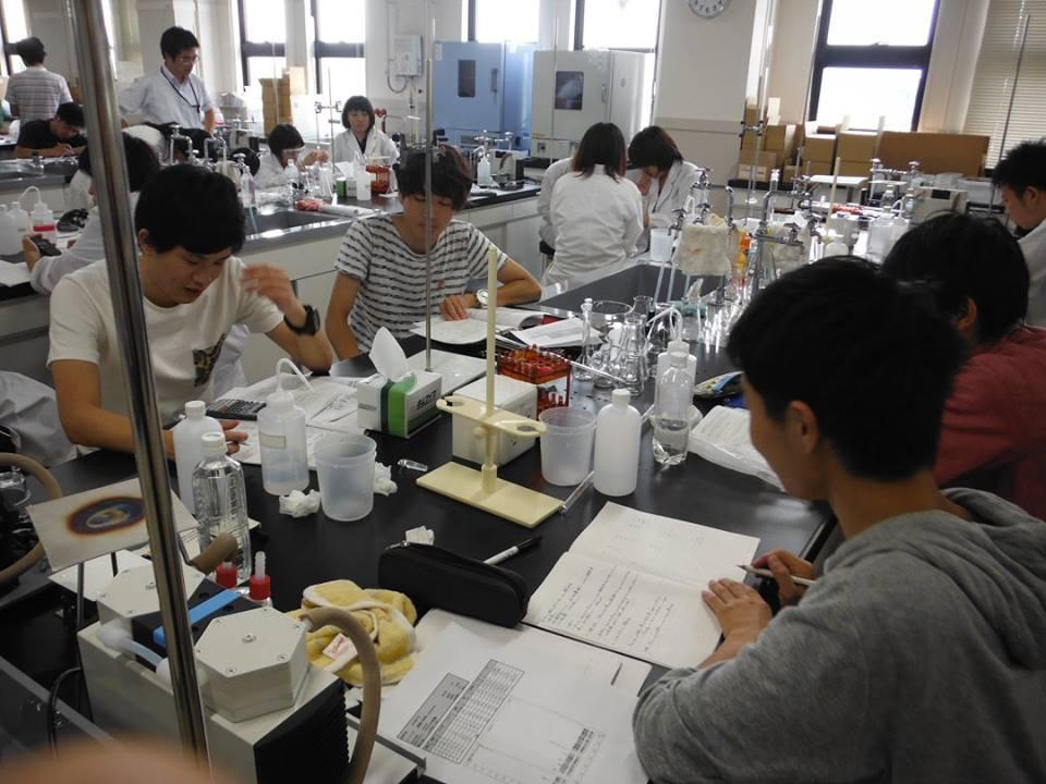 2015.08 地学実験A(理工学部3年生対象)、水質測定の室内実習